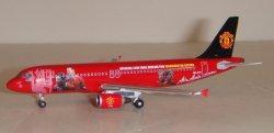 1:400 Phoenix Models AirAsia Airbus Industries A320-200 9M-AFC