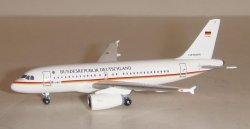 1:500 Herpa Luftwaffe Airbus Industries A319-100 15+01