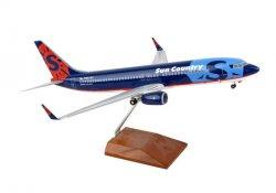 1:100 Risesoon / Skymarks Sun Country Airlines Boeing B 737-800 N801SY