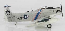 1:72 Hobby Master United States Navy Douglas A-1 Skyraider 134569